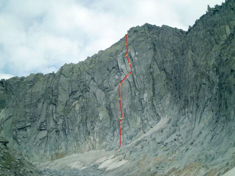 Tracciato di Fessure Remote (280m, VII obl. e 20m di A1 continuo) parete Ovest della Cima di Danerba 2.910m (Catena del Breguzzo, Gruppo Adamello), archivio Tameni, Rigosa