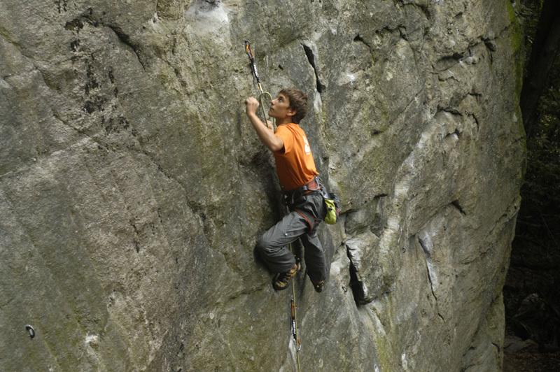 Lorenzo Carasio climbing at Lungaserra, Stefano Beccio