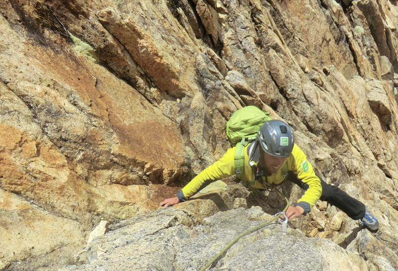 Poco Loco, Puscanturpa Este (5410m), Peru. Bas van der Smeede, Elly van der Plas, Bas Visscher, Vincent van Beek e Saskia van der Smeede 08/2012, Bas van der Smeede