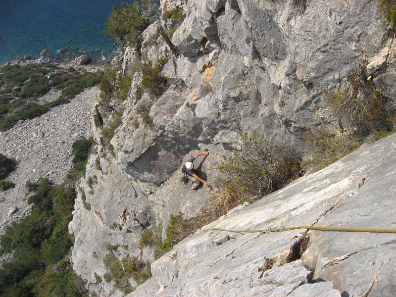 Sul secondo tiro dello Spigolo Bonatti (6a, 240m) a Capo d'Uomo all'Argentario, Eraldo Meraldi