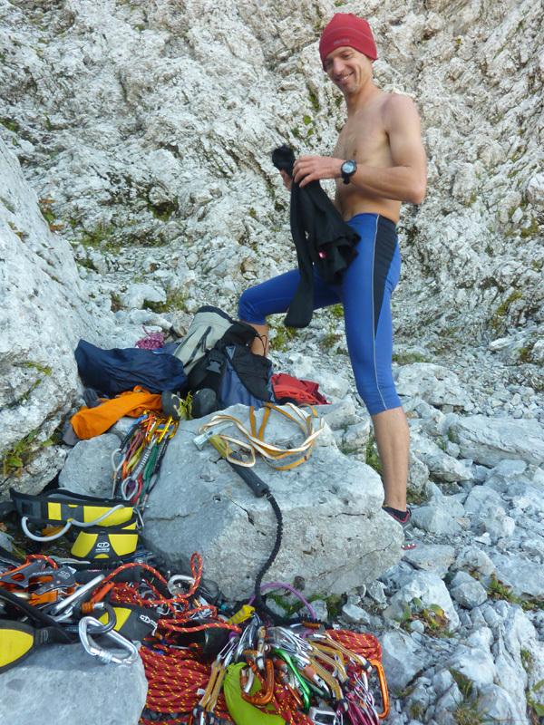 Il colpo di coda (7a+, 160m, Stefano Codazzi, Daniele Natali 22/09/2012 ), Presolana: preparing at the base, archivio Stefano Codazzi & Daniele Natali