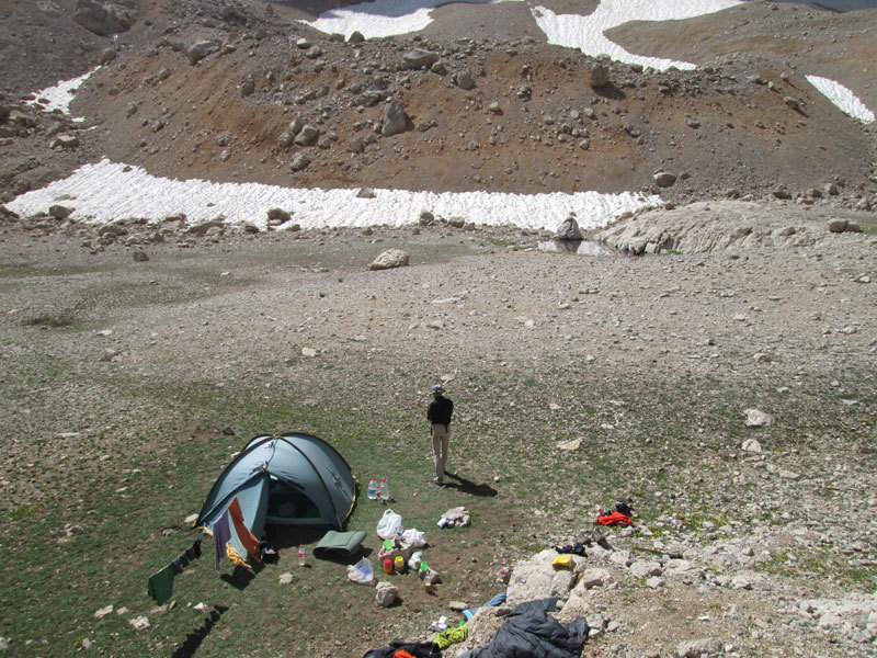 campo base Cima Vay Vay: un ettaro di quiete, archivio R. Larcher, L. Giupponi, N. Sartori