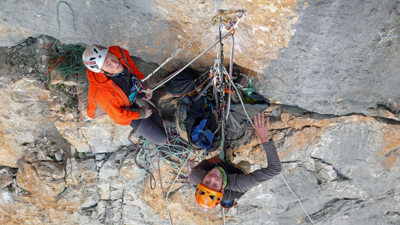Luca Giupponi and Nicola Sartori at the belay below the crux pitch of Nessun, Cima Vay Vay, archivio R. Larcher, L. Giupponi, N. Sartori