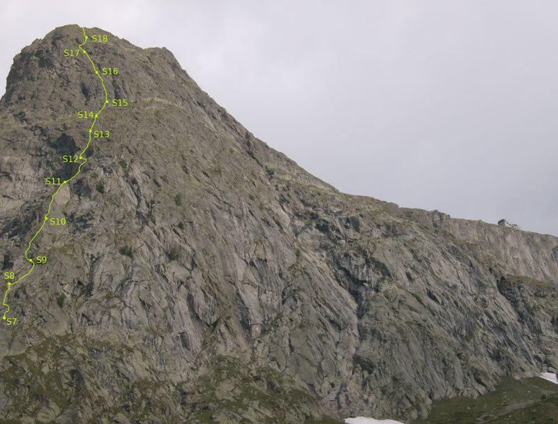 La parte alta della via Carpe diem, Aiguille de Chatelet, Monte Bianco, archivio M. Franceschini, F. Recchia
