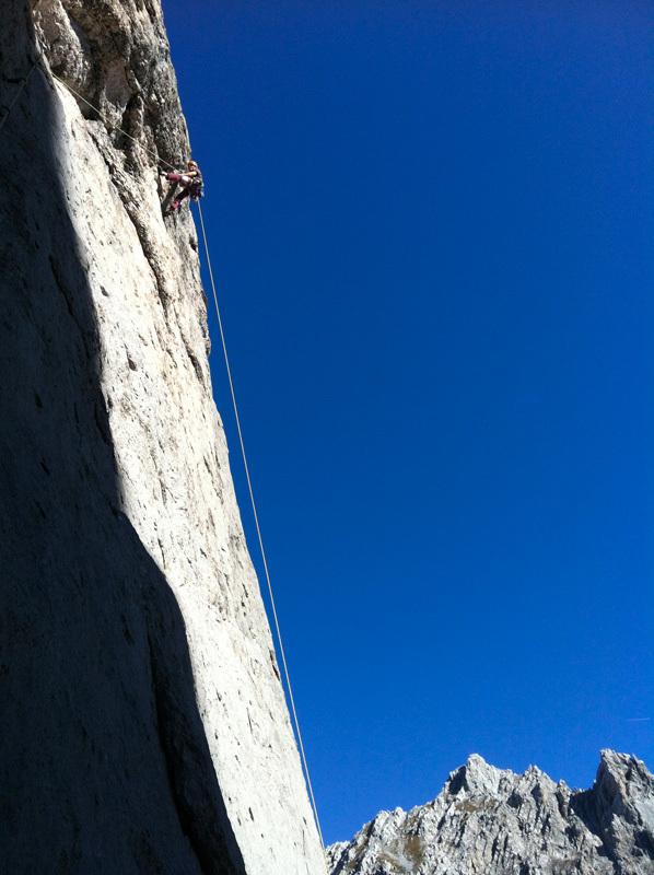 Roland Hemetzberger climbing Südwand (150m, 10-), Karlspitze, Wilder Kaiser, Austria., Roland Hemetzberger