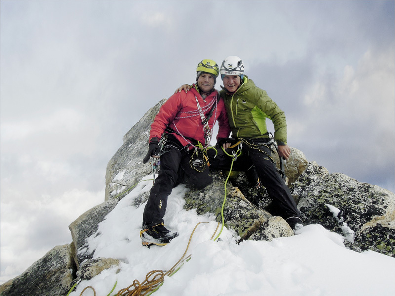 28/09/2012: Roger Schäli & Simon Gietl on the summit of Arwa Spire after having made the first free ascent of Fior di Vite (800m, 90°, M5, 7a), archive Roger Schäli