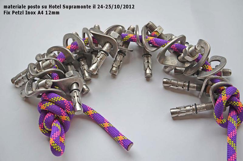 Il materiale posto su Hotel Supramonte il 24-25/10/2012. Fix Petzl inox A4 12mm, archivio Rolando Larcher