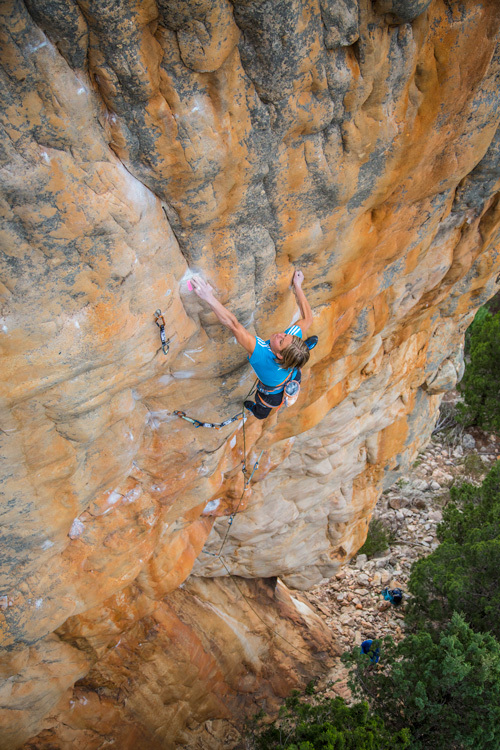 28/10/2012: Mayan Smith-Gobat climbing Punks in the Gym (32/8b+) at Arapiles, Australia., Rich Crowder