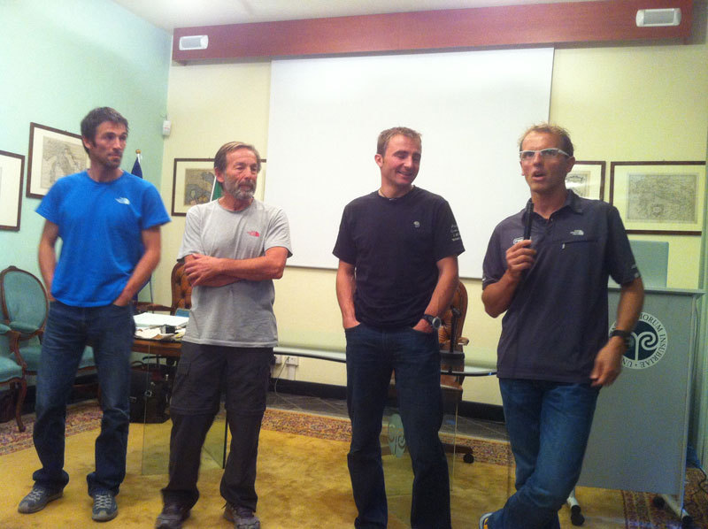 Hervè e Marco Barmasse, Ueli Steck and Simone Moro at the debate on 24/10/2012 which ended the International Master Course in Mountain Medicine, archivio Master Medicina di Montagna