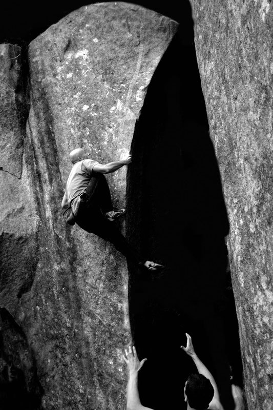 Rudi Colli climbing La Chimera in Val Masino, Massimo Malpezzi