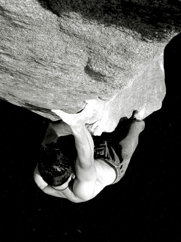 Bouldering at Stanage in England, Massimo Malpezzi