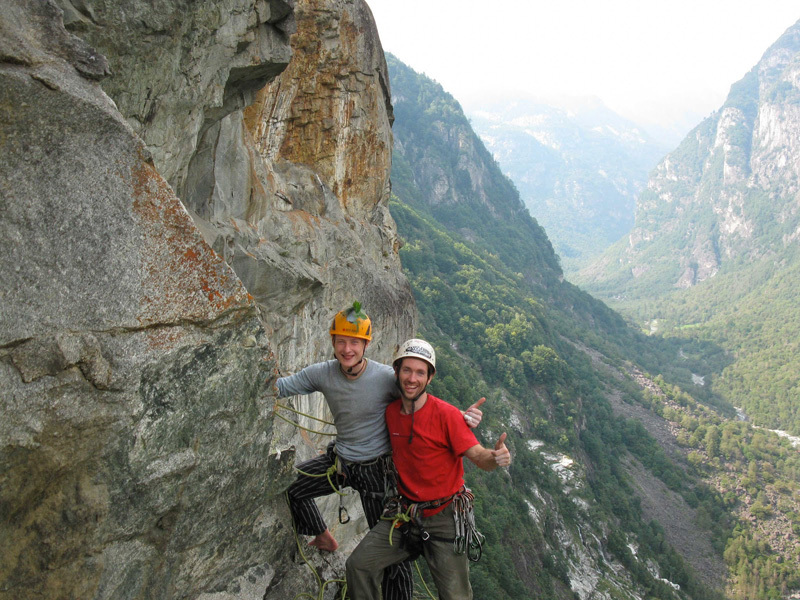 09/2012: Stephan Isensee and Thomas Wolf on their route Saga di Valle Bavona (7c+/8a, 205m)., Tobias Wolf