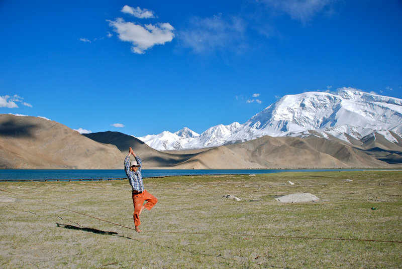 Slackline at 5000m, © A-Team