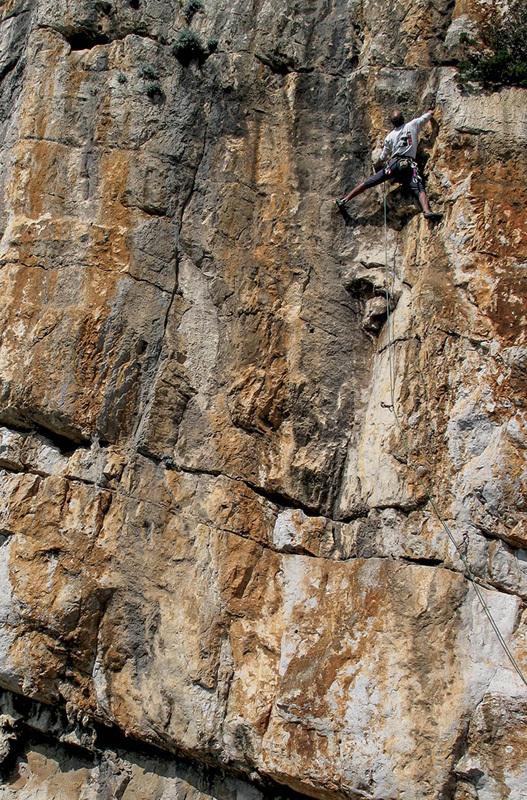 Bruno Vitale climbing Acapulco, Bruno Moretti