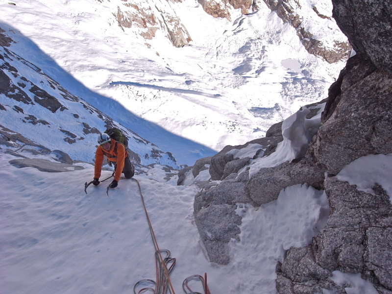 20/11/2012: Matt Helliker and Jon Bracey on Eyes Wide Shut (900m, ED1, M6, AO, UIAA IV+) on the NE Face of Mont Rouge di Greuvetta (Mont Blanc massif) , Bracey & Helliker