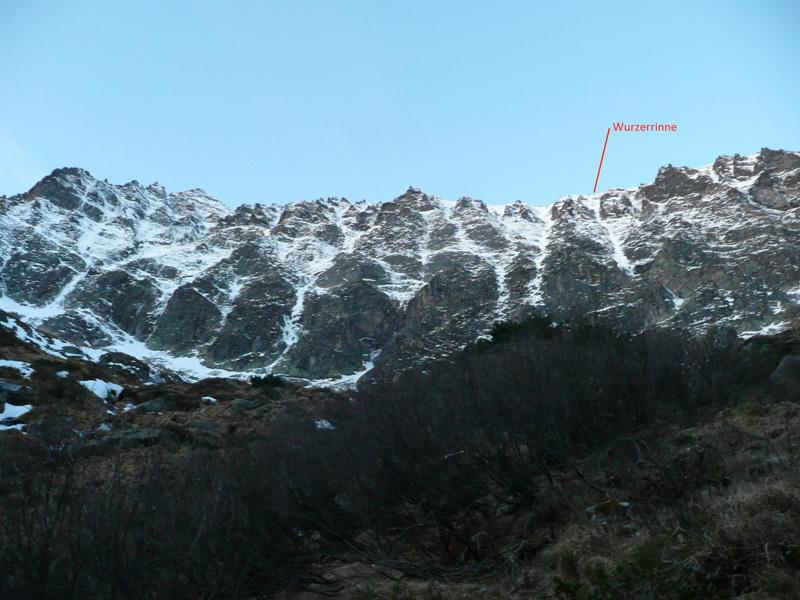 Hochgasser (2922m): Wurzer Rinne (M5, WI5, 700m, Peter e Matthias Wurzer, 18/11/2012), archivio Vittorio Messini