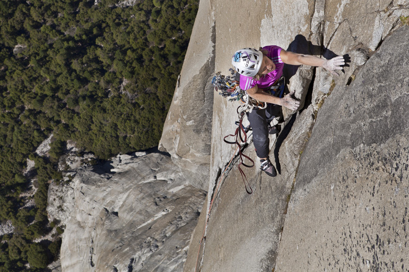 23/09/2012: Mayan Smith-Gobat e Astorga salgono The Nose in 7:26, El Capitan, Yosemite., John Dickey