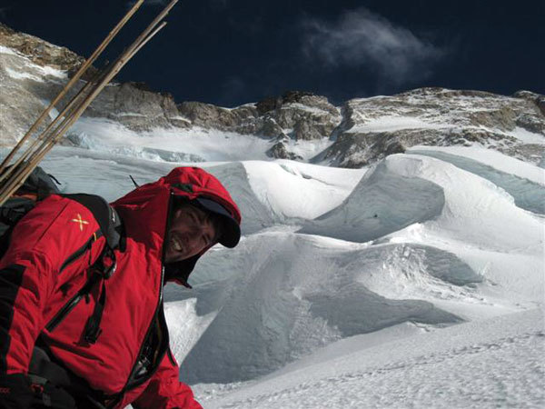 Luca Vuerich during an attempt of Makalu in winter 2008., arch. Meroi-Benet-Vuerich