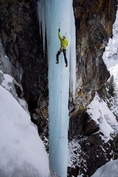 01/01/2013: Lucky Strike (WI6, 45m, Hansjörg Auer & Heiko Wilhelm), Elias Holzknecht