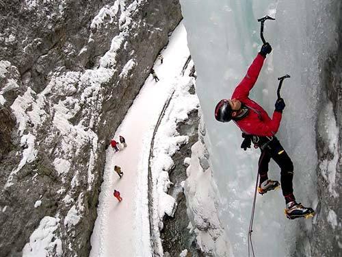 Beppe Ballico climbing La Spada nella Roccia,