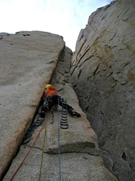 Cerro Piergiorgio, Patagonia, 'La Routa de l'Hermano' (950m, 6b+ A3 ED+)., Ragni Lecco
