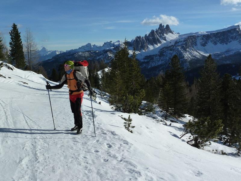 The approach to Psyco Killer, Tofana di Rozes, Dolomites (Beppe Ballico, Andrea Gamberini & Marco Milanese 12/01/2013), archivio Beppe Ballico