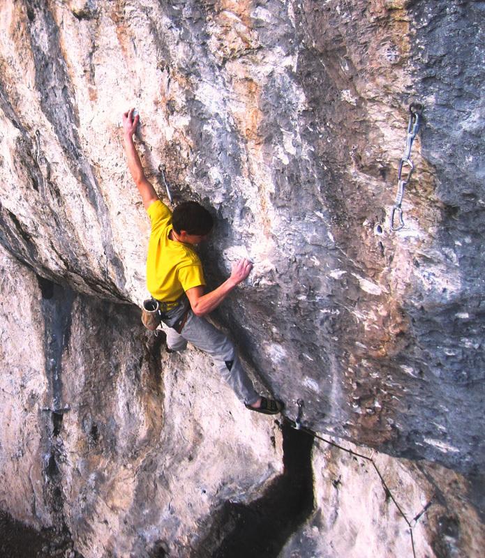 Alessandro Zeni climbing Drumtime 8c+, Fonzaso, achivio Riccardo Scarian