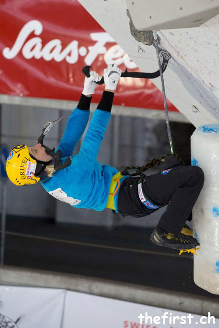 Angelika Rainer in azione a Saas Fee nella seconda tappa dell'Ice Climbing World Cup 2013, UIAA
