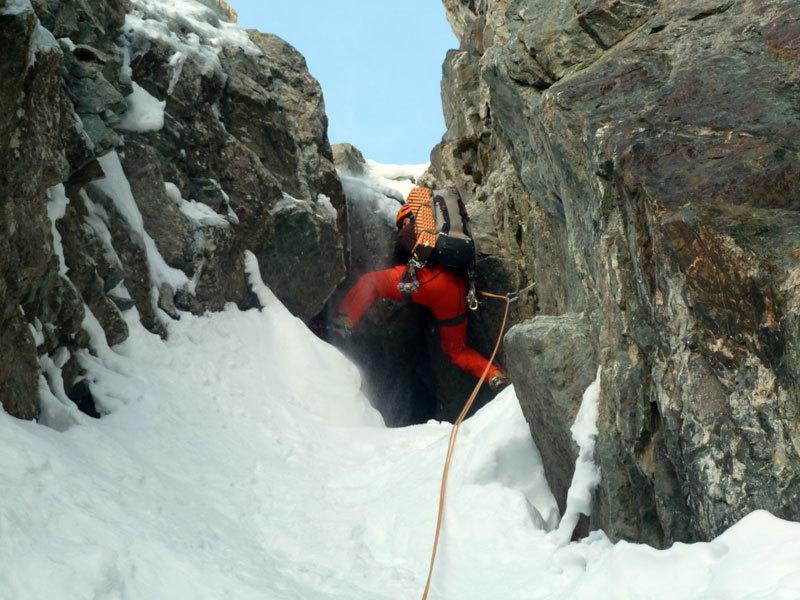 Christian Türk nel canale del Col des Avalanches, Marcello Sanguineti
