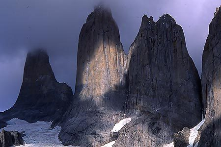 The Paine Towers, Patagonia, Planetmountain.com