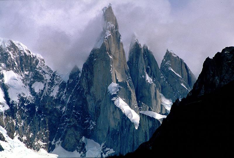 Cerro Torre, Planetmountain
