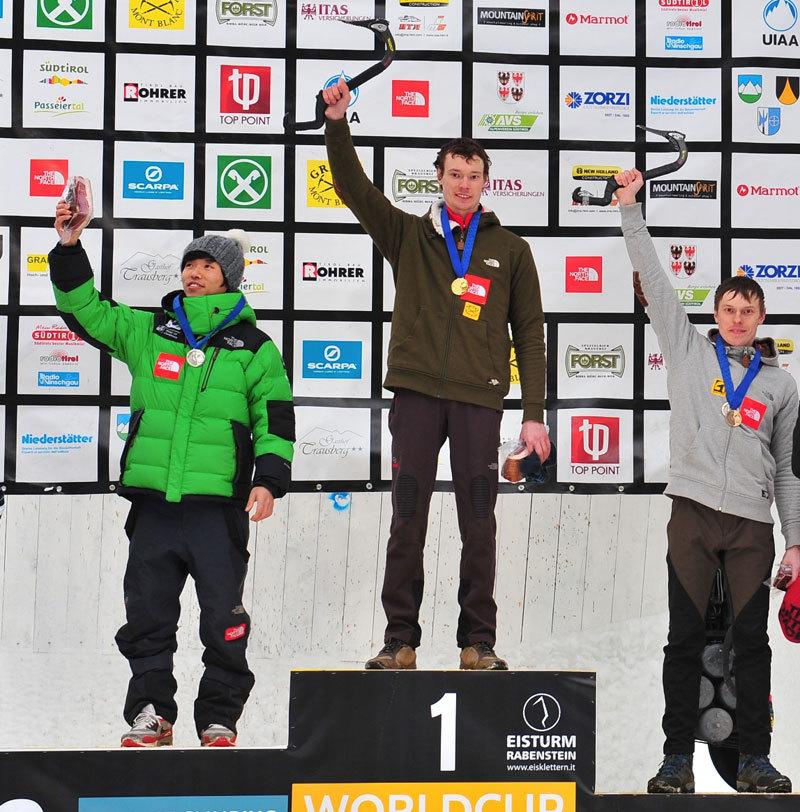Podio maschile della terza tappa della Coppa del mondo di arrampicata su ghiaccio a Rabenstein. Da sx Park Heeyong (KOR), Maxim Tomilov (RUS), Alexey Tomilov (RUS)., UIAA