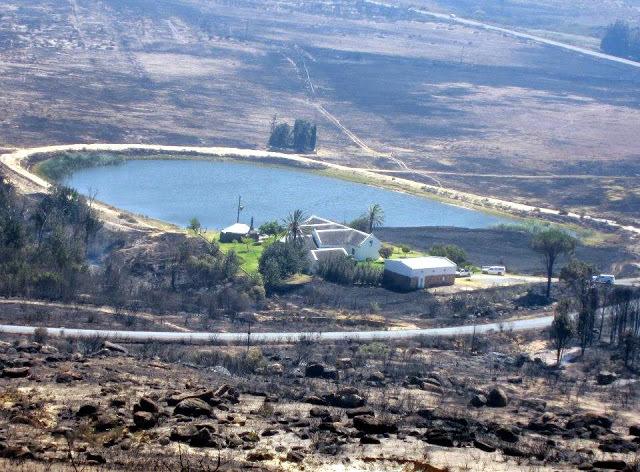 L'incendio a Rocklands nel gennaio 2013: la fattoria Pakhuis Farm, Charité van Rijswijk