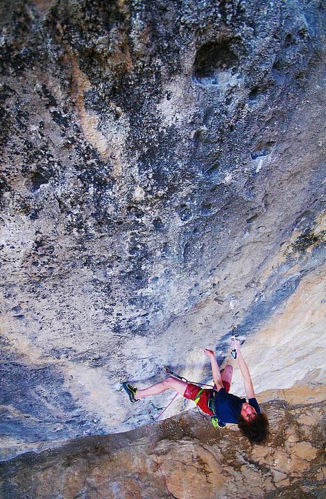 Adam Ondra climbing La Dura Dura 9b+, Oliana, Vojtech Vrzba