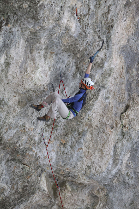Lucie Hrozová su Spiderman M13 a Eptingen, Svizzera., archivio Hrozová