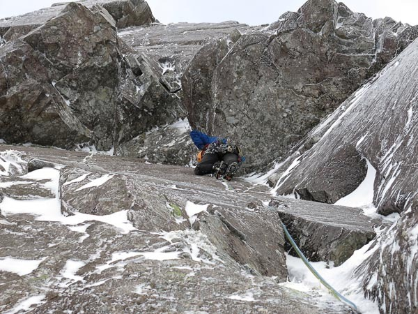 Iain Small on No Success Like Failure (IX,8) on Ben Nevis. , Simon Richardson
