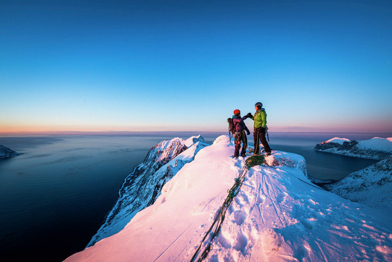 Ines Papert during the first ascent of Finnmannen (M9+ WI7, 400m) together with Bent Vidar Eilertsen on the island of Senja, Norway, visualimpact.ch | Thomas Senf