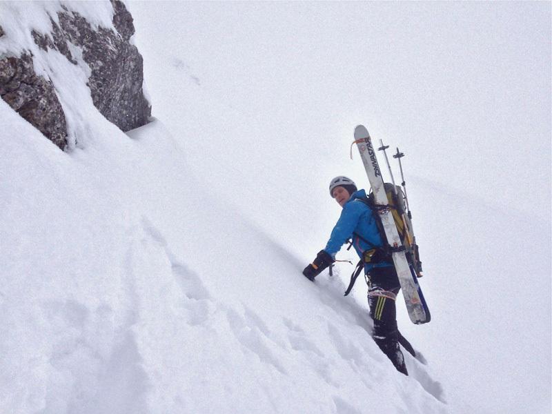 Olov Isaksson sulla parete nord di Pilatus, Svizzera, febbraio 2013,