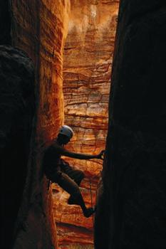 In arrampicata a Badami, India, Gerhard Schaar