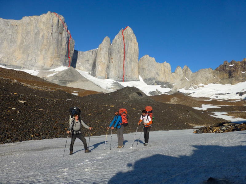 Merlin Didier, Stephane Hanssens and Sean Villanueva O'Driscoll and the routes they freed: on the left the East face of Cerro Cota 2000 (500m, 7c+), on the right the East Face of Cerro Catedral (1000m, 7c+)., Villanueva archive