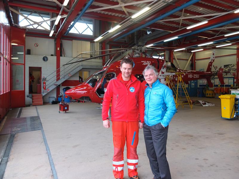 Dott. Luigi Festi and Oliver Reisten, Air Zermatt medic, archivio Master Medicina di Montagna