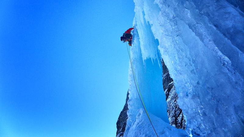 Matthias Scherer and Tanja Schmitt on Kjerrskredkvelven, the enormous icefall at Gudvangen, Norway., archivio Matthias Scherer