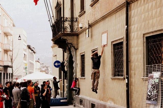 Il 4° Sondrio Street Climbing s'è svolto il 23 marzo e ha visto in azione più di 200 climber da tutto il nord Italia., arch. Sondrio Street Climbing 2013