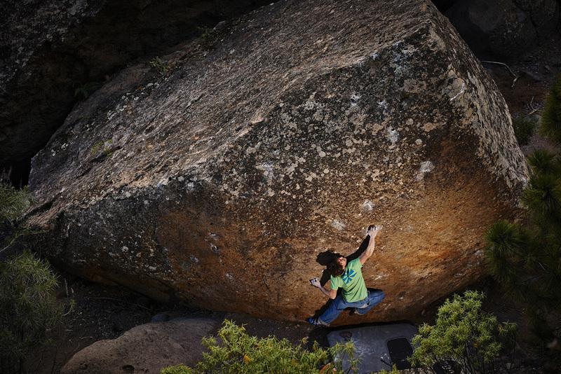 Il boulderista austriaco Jörg Guntram libera Naranja 8A+, Tenerife, Frank Kretschmann
