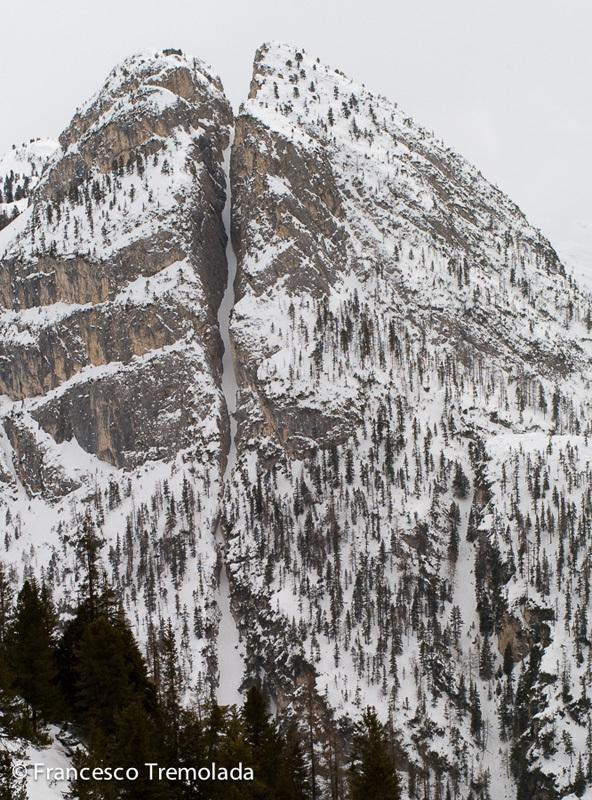 Il canale nord di Sass Dlacia, Dolomiti: 400m - 5.1/E2/PD - max 45°, Francesco Tremolada