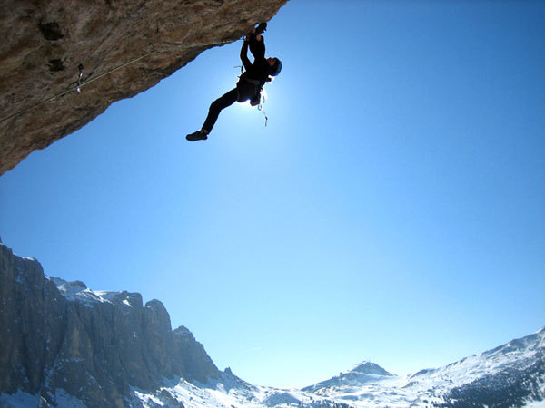 Freeing the roof of Vint ani do (8a+ 350m), Sella, Dolomites, Moritz Tirler