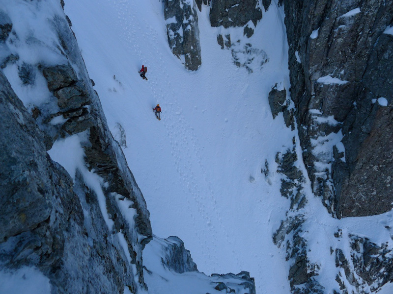 A team descending Number Three Gully, Sanguineti - Türk