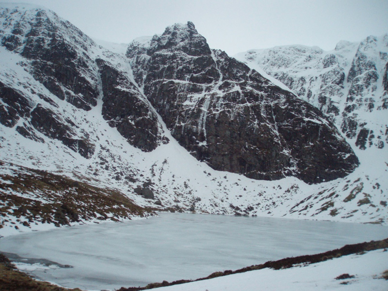 Pinnacle Buttress e Post Face, Creag Meagaidh, Filippone - Rossi