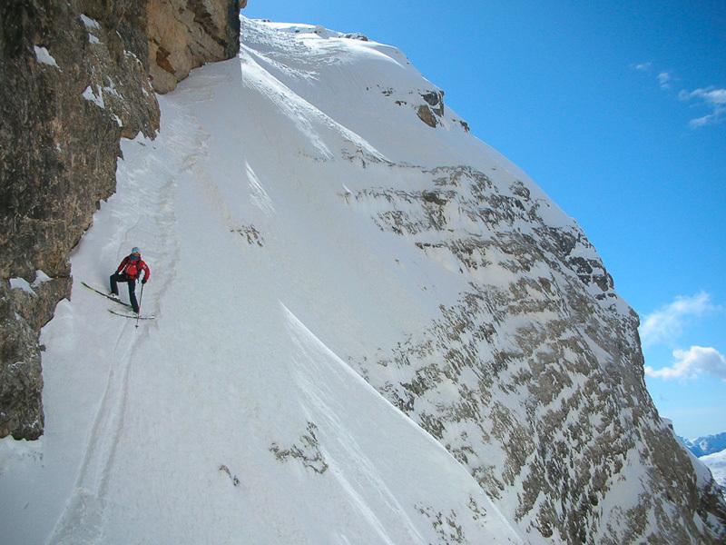 Francesco Tremolada durante la prima discesa in sci della parete Ovest del Piz Lavarella, Dolomiti, effettuata assieme a Andrea Oberbacher il 10/04/2013., Andrea Oberbacher