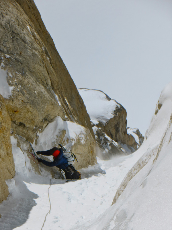 Tad McCrea e Dustin Byrne sulla via Ham and Eggs su Mooses Tooth in Alaska, Tad McCrea